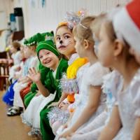Фотоотчет новогодних праздников в младшей и средней группах