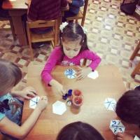 Мастер-класс по изготовлению дидактической игры «Снежинки-половинки»
