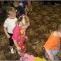 Спортивное развлечение для детей II младшей группы «Волшебные косички»