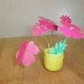 Мини-вазочки с цветами.