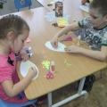 Коллективная работа детей старшей группы к празднику «День матери»